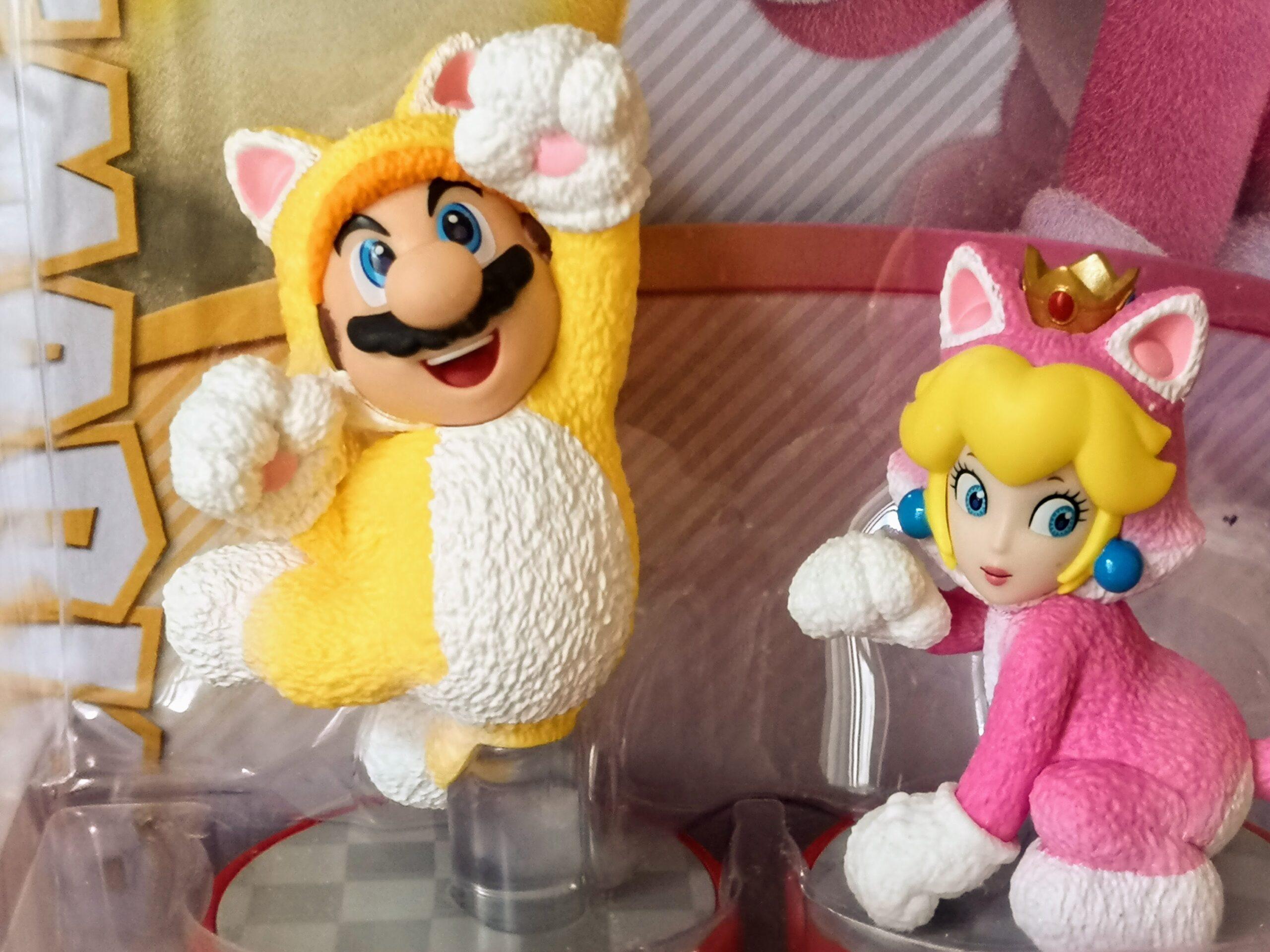 Vista dettagliata Amiibo Cat Mario & Cat Peach