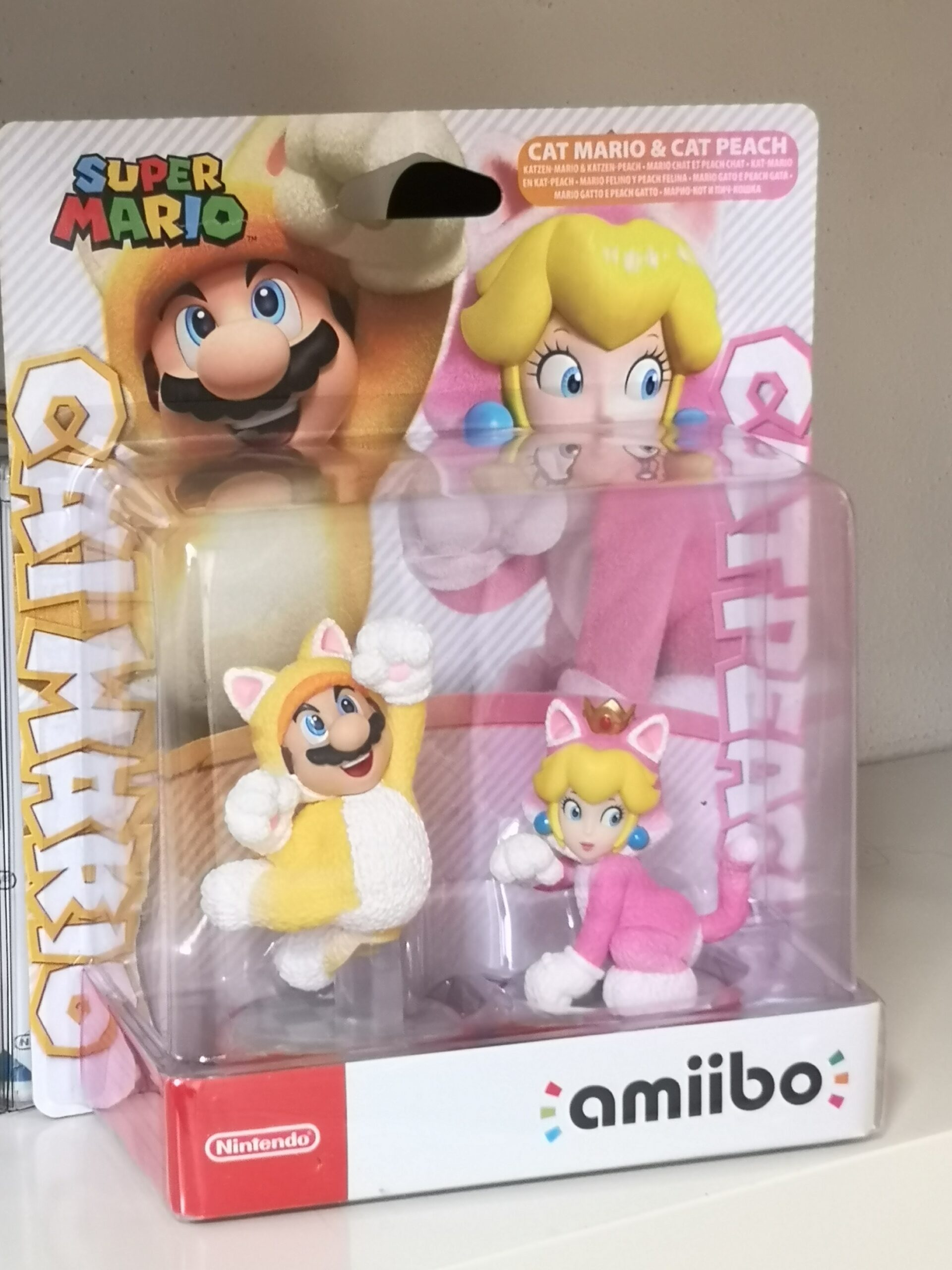 Amiibo Cat Mario & Cat Peach