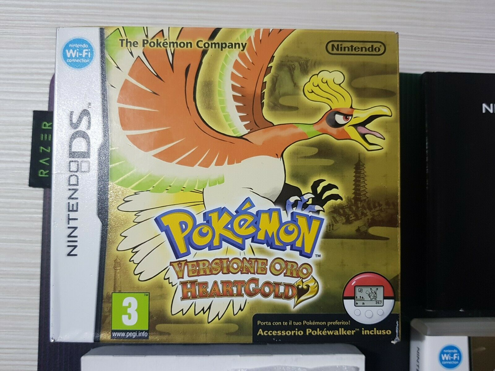 Dettaglio Pokémon Versione Oro HeartGold con Pokewalker