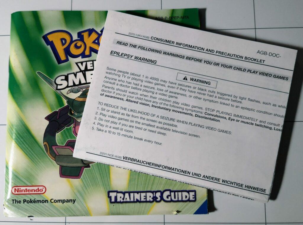 Pokemon Versione Smeraldo, allegati cartacei al gioco